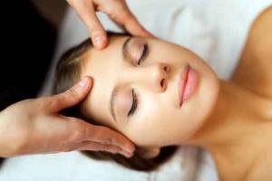 massage facial kobido femme carqueiranne var